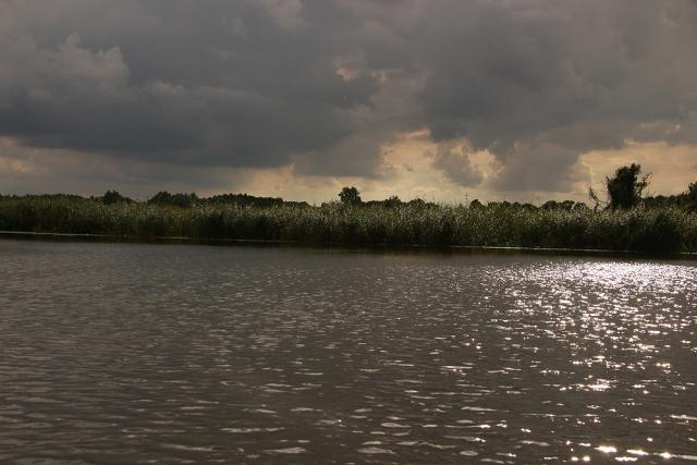 Warnow, Wolken, Licht, Wellen
