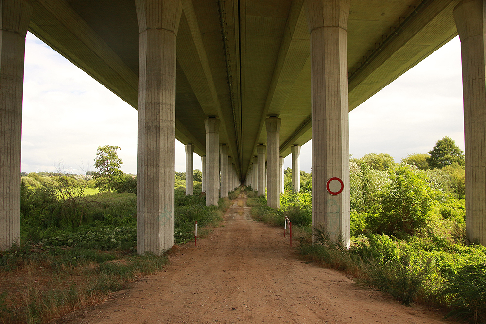 Mecklenburg, Warnow, Autobahn, Brücke, Pölchow